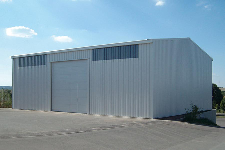 Fahrzeughalle 12,50 × 15 m | Landmaschinen und Geräte