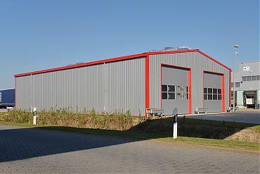 Fahrzeughalle 15 × 25 m | Wetterschutz (Ladungssicherung)